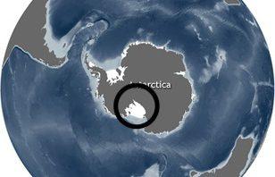 南極、イモト、登山