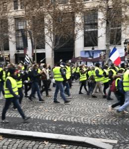 フランス パリ デモ